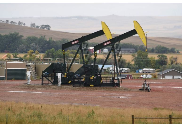 Oil prices on track for weekly losses
