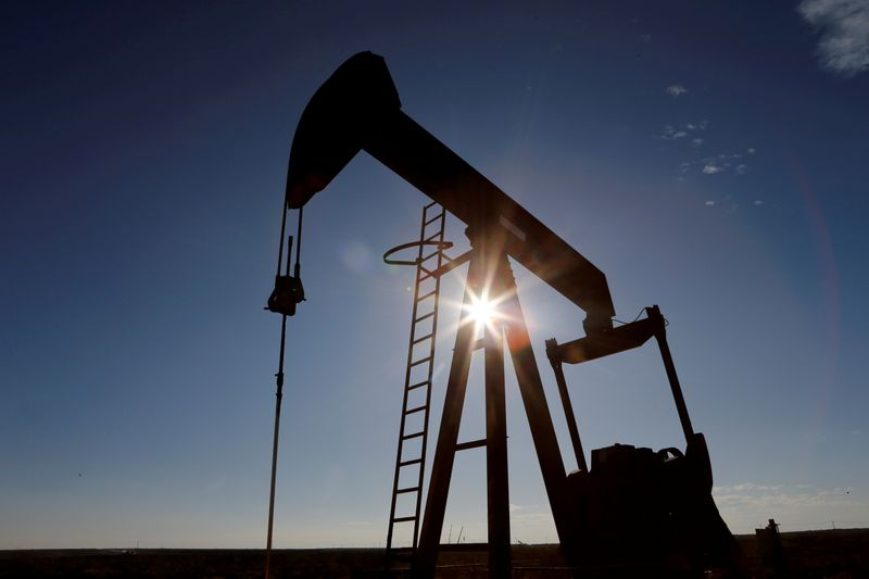 Oil prices extend rally after surprise fall in U.S. stocks