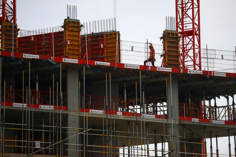 UK construction keeps up rapid growth in April as lockdown lifts – PMI