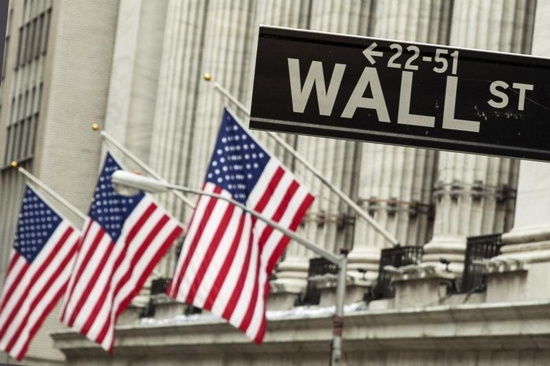 U.S. Futures Mixed; Pfizer Leads Another Busy Earnings Week